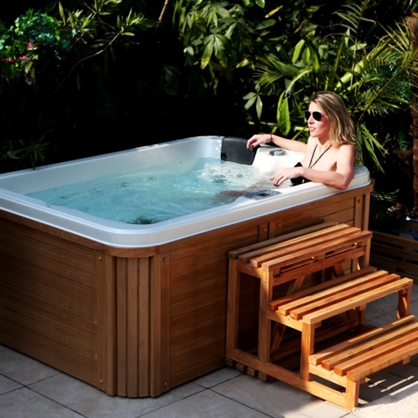 jaccuzi pas cher affordable inflatable hot tub steps. Black Bedroom Furniture Sets. Home Design Ideas